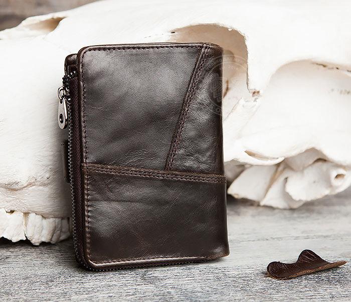 WL257-3 Вместительное мужское портмоне коричневого цвета на застежке фото 02