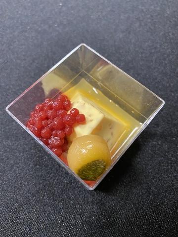 Мусс из семги с кабачком и малиновой икрой