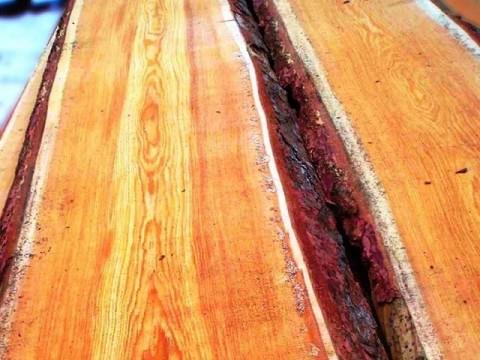 Доска необрезная Лиственница 25мм ш 150-350мм