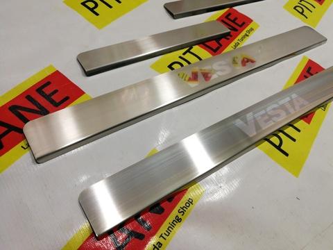 Накладки в проем дверей с лазерной гравировкой  Лада Веста (седан, SW)