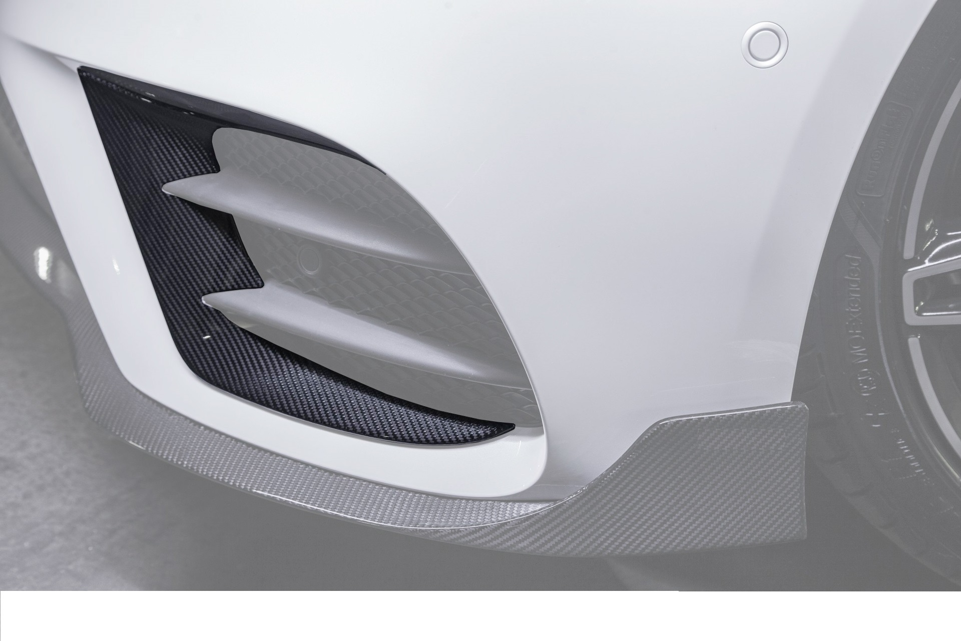 Карбоновые вставки в передний бампер AMG Style для Mercedes E-class W213 Sport Package