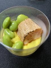 Сёмга особого посола с кукурузным кремом и эдамаме