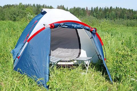 Палатка Canadian Camper KARIBU 3, цвет royal, на природе.