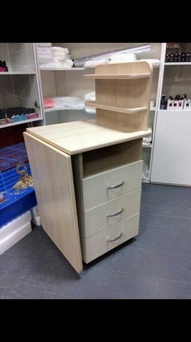 Маникюрный стол (цвет беж)