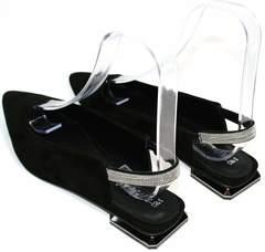 Удобные босоножки на маленьком каблуке Kluchini 5183 Black.