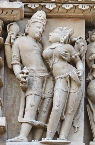Khajuraho. Le temple de Parshvanath. Индия. Эротические храмы Кхаджурахо, фрагмент скульптурной композиции..