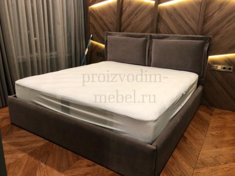 Двуспальная кровать Pillow