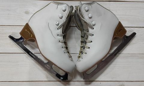 Коньки б/у Edea Brio, размер 215 (Белые) с лезвиями Rotation