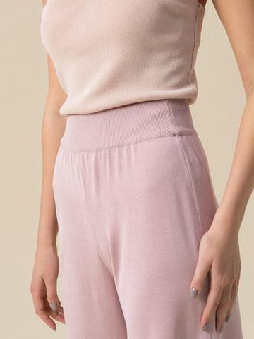 Женские брюки-клеш светло-розового цвета из шелка и вискозы - фото 5
