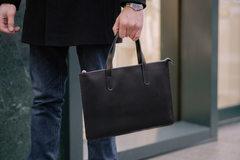 Черная кожаная сумка Gmakin для MacBook