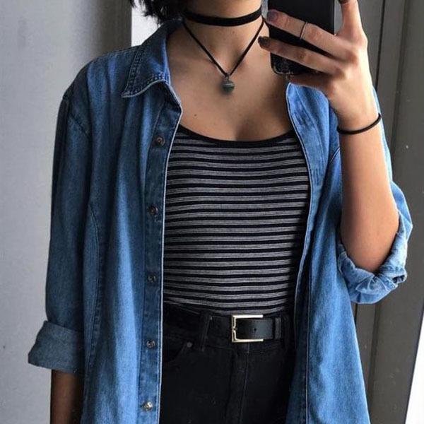 Девушка с кулоном из нефрита