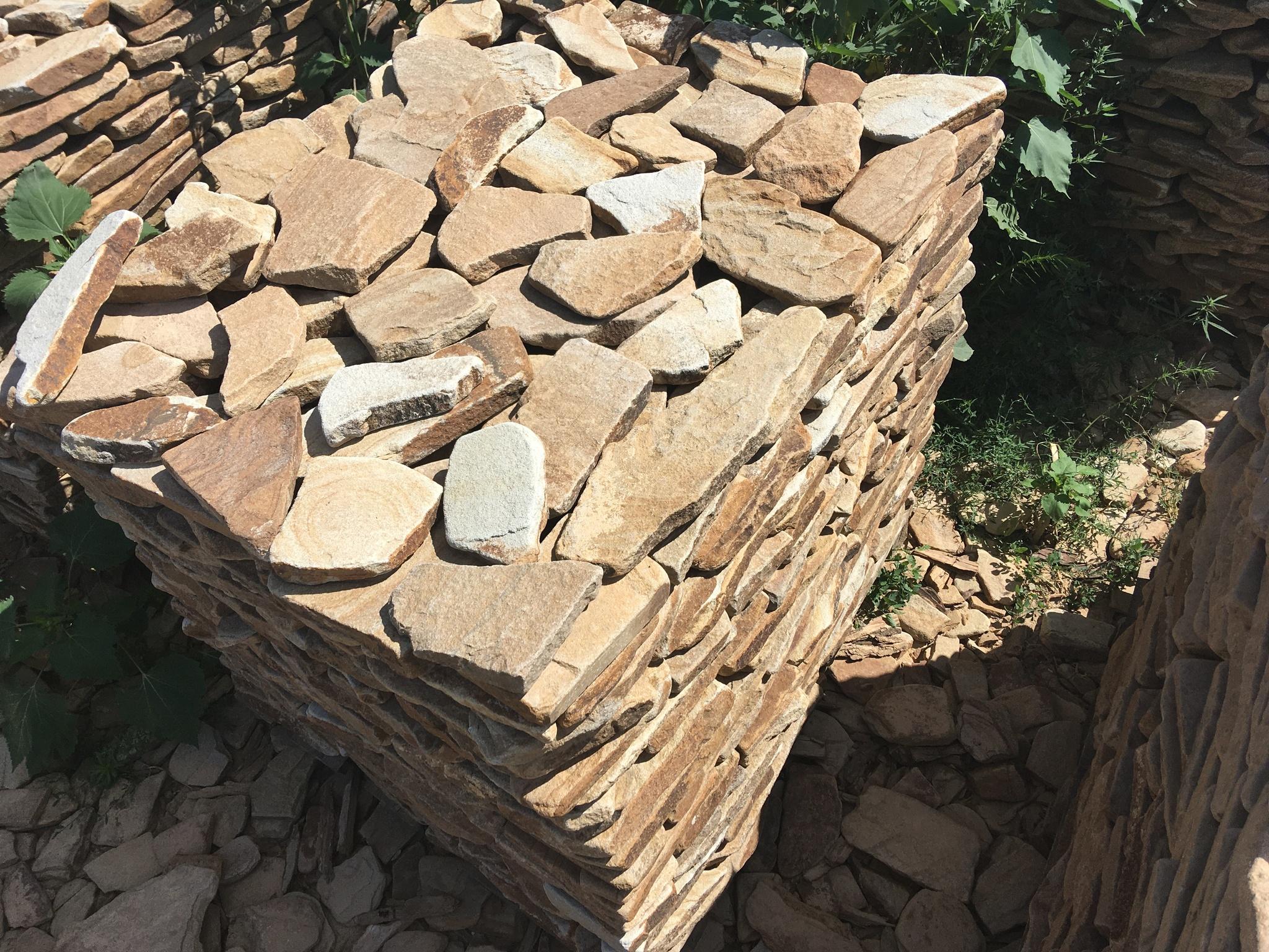 Кантри галтованный камень на поддоне