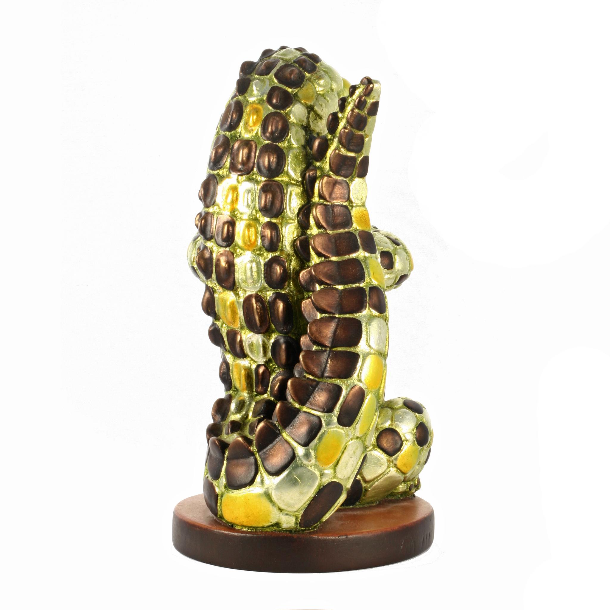 Статуэтка ручной работы Крокодил