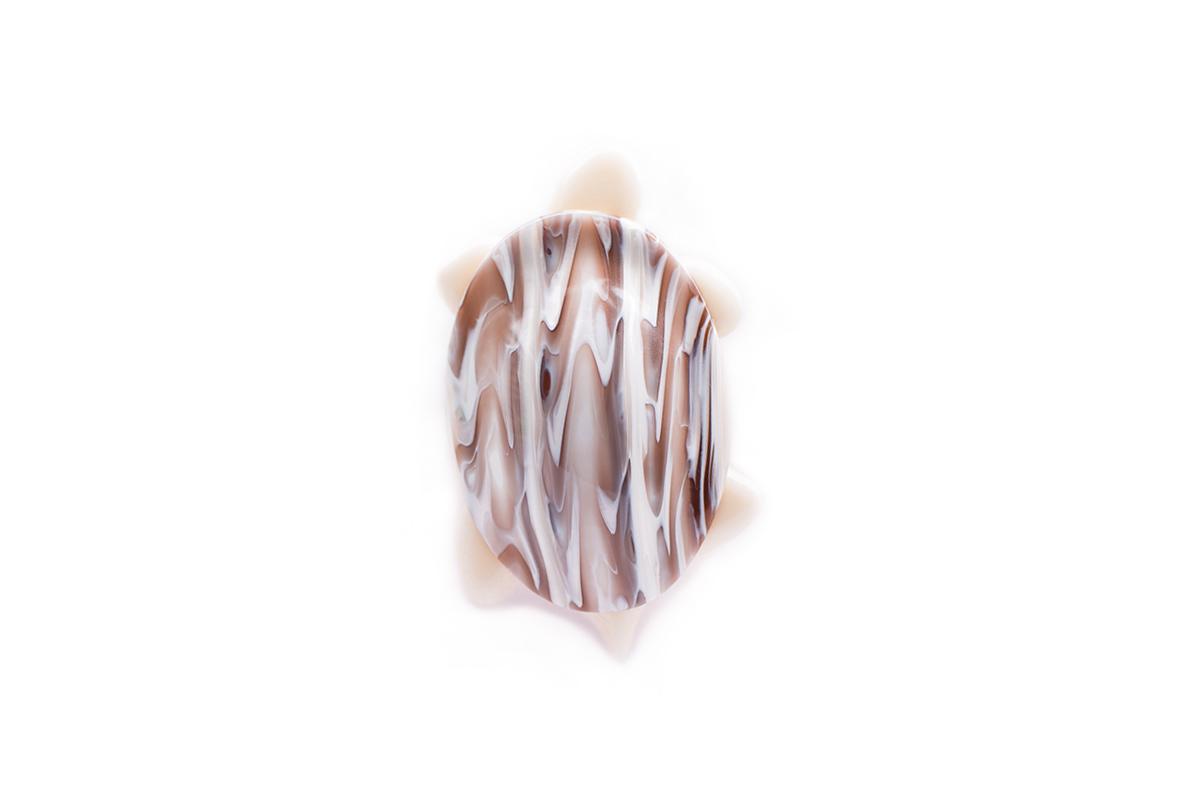 Очаровательная бежевая черепашка от Lea Stein