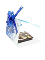 Шоколад на финиковом пекмезе с кешью и земляникой