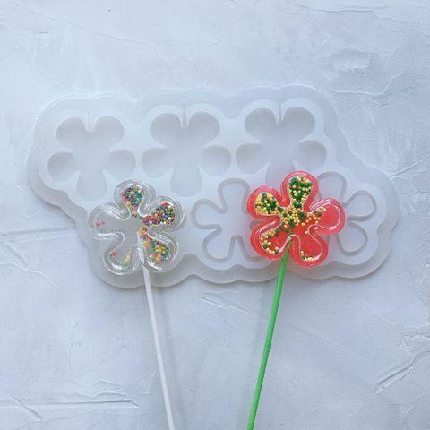 Силиконовая форма леденец-погремушка Цветок №315  6 ячеек