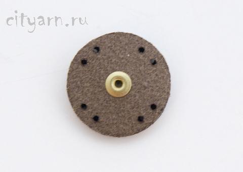 Кнопка пришивная на коже, коричневая, 23 мм