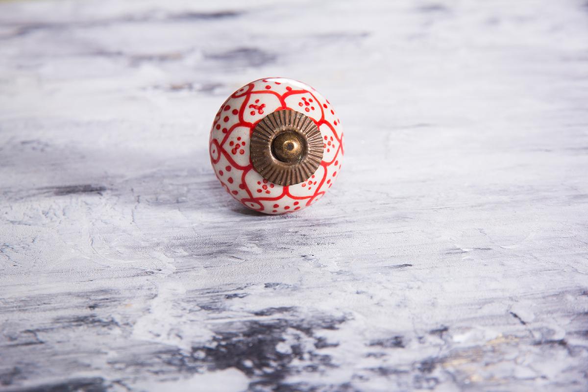 Ручка мебельная керамическая с красным орнаментом