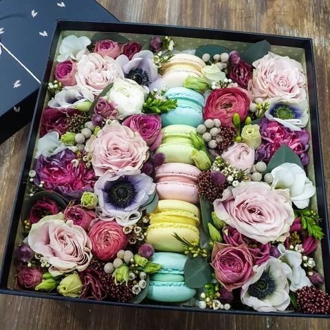 Коробочка с Макарон и цветами + ПОДАРОК