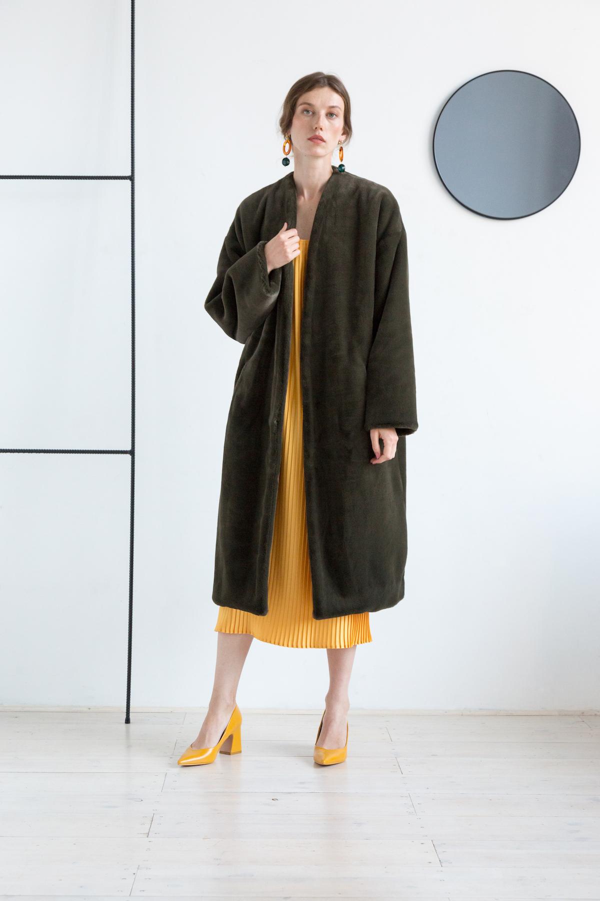 Пальто из экомеха