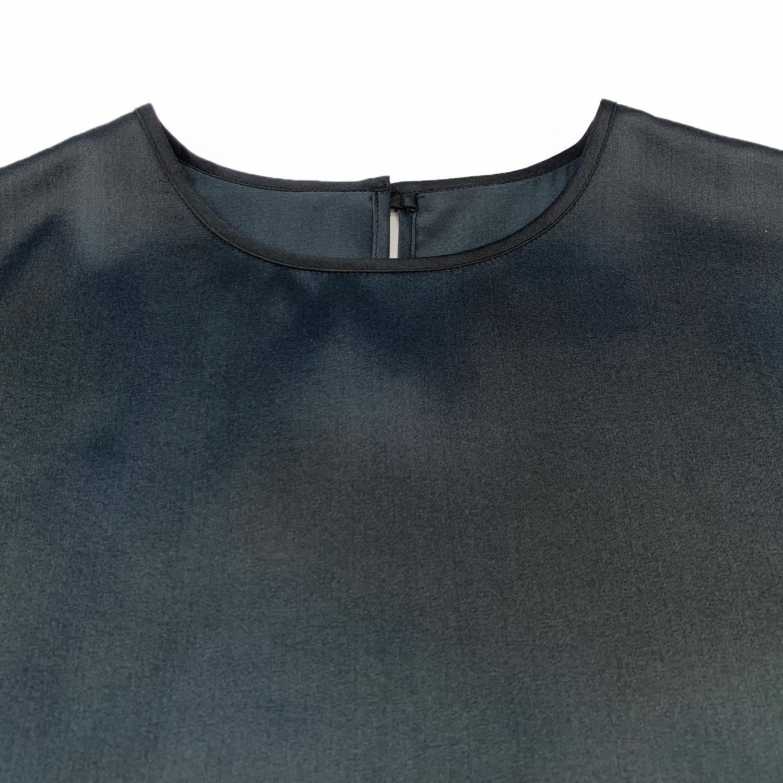 черная блузка из шелка