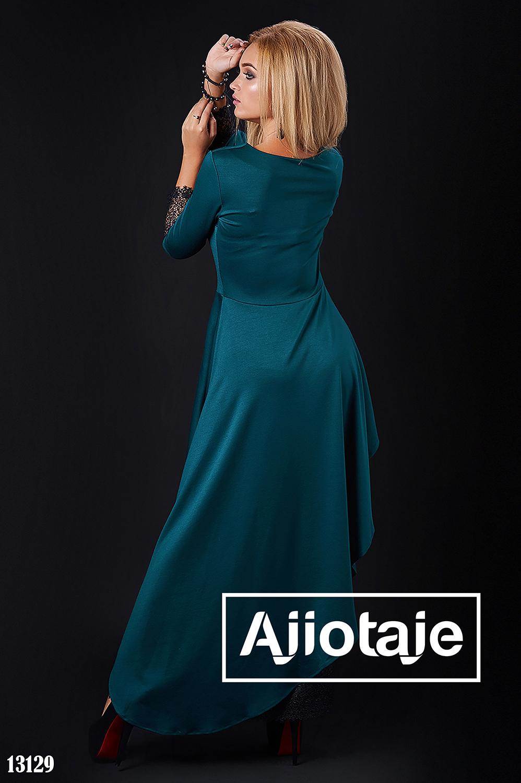 Платье бутылочного цвета с асимметрией