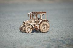 Трактор Беларус-82 от EWA - Деревянный конструктор, сборная модель, механический 3D пазл