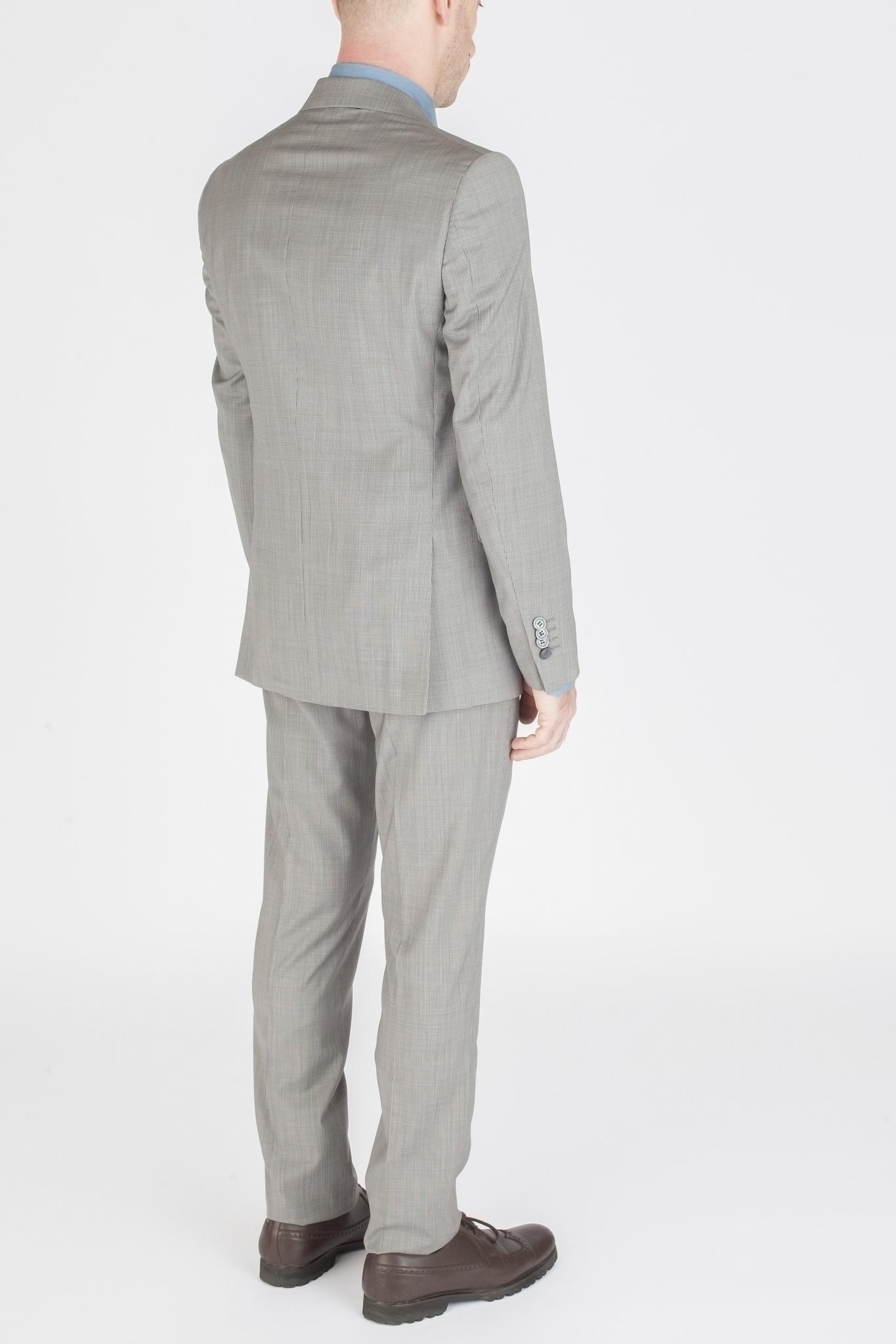 Светло-серый костюм в мелкую тёмно-серую крапинку из 100%-ной шерсти