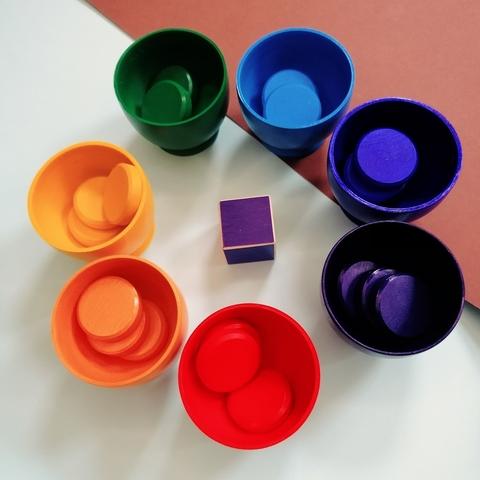 Монетки радужные с пиалами для сортировки по цвету