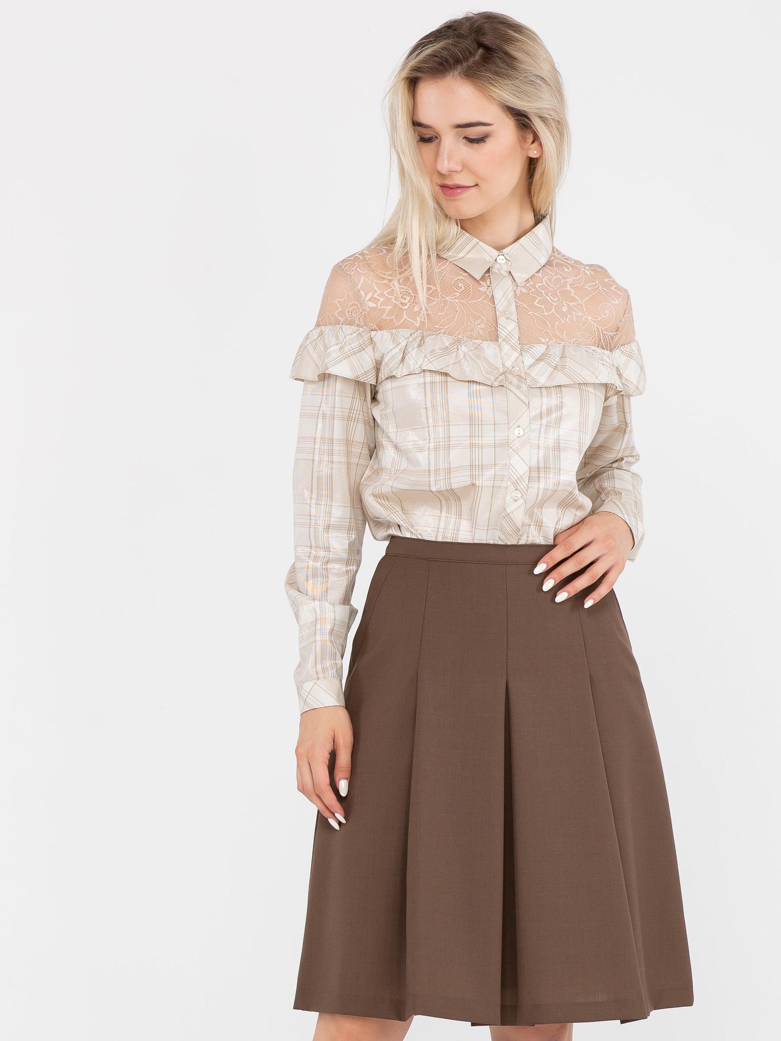 Блуза Г613-578 - Блуза классического кроя с с отложным воротником и длинными рукавами. Отрезная кокетка и плечи из кружева в тон и рюша из основной ткани, сделают ваш образ романтичным и притягательным.