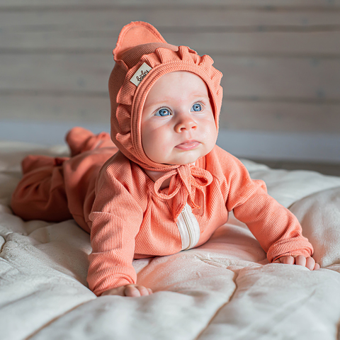 Ribbed baby hat with ruffles 0+, Coral