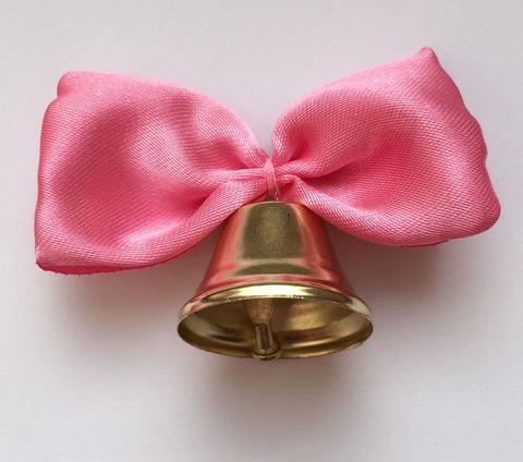 Колокольчик с розовой лентой