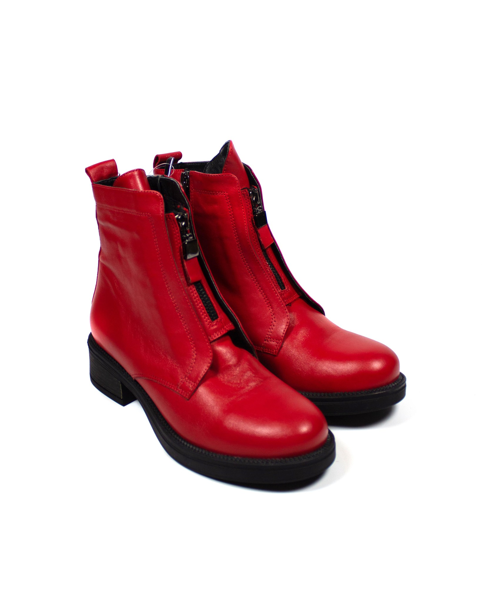красные ботинки Magnoliya
