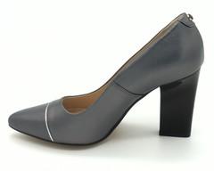 Серые   туфли из натуральной кожи на устойчивом каблуке