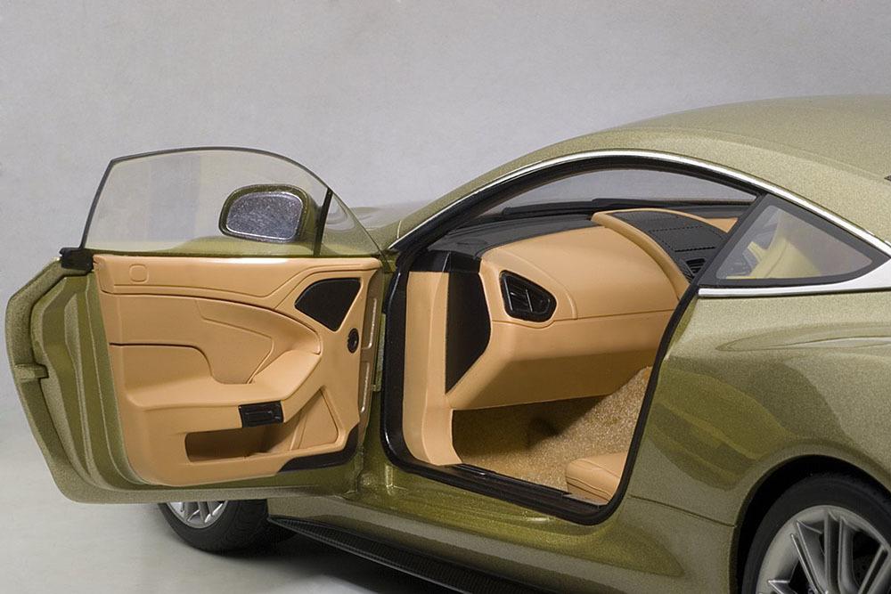 Коллекционная модель Aston Martin Vanquish 2015 Light Brown Metallic