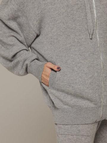 Женский серый джемпер на замке с высоким горлом из 100% кашемира - фото 5