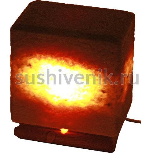 Соляная лампа из Крымской Розовой соли на деревянной подставке