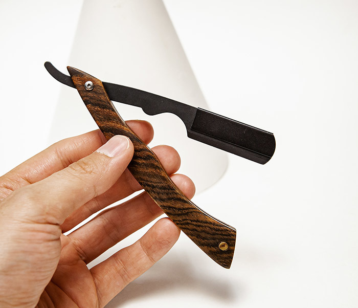 RAZ525-2 Бритва шаветка с деревянной рукояткой фото 05