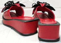 Женские кожаные шлепки босоножки танкетка Derem 042-921-02 Red Black.