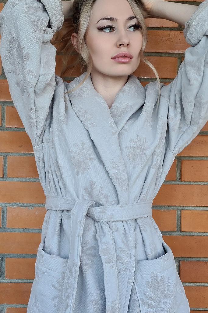 Длинный халат с велюровыми цветами Luna di Giorno
