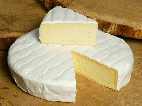 Сыр Бри   СЫРЫ И КОЛБАСЫ ИП ПОТАПОВА 1кг