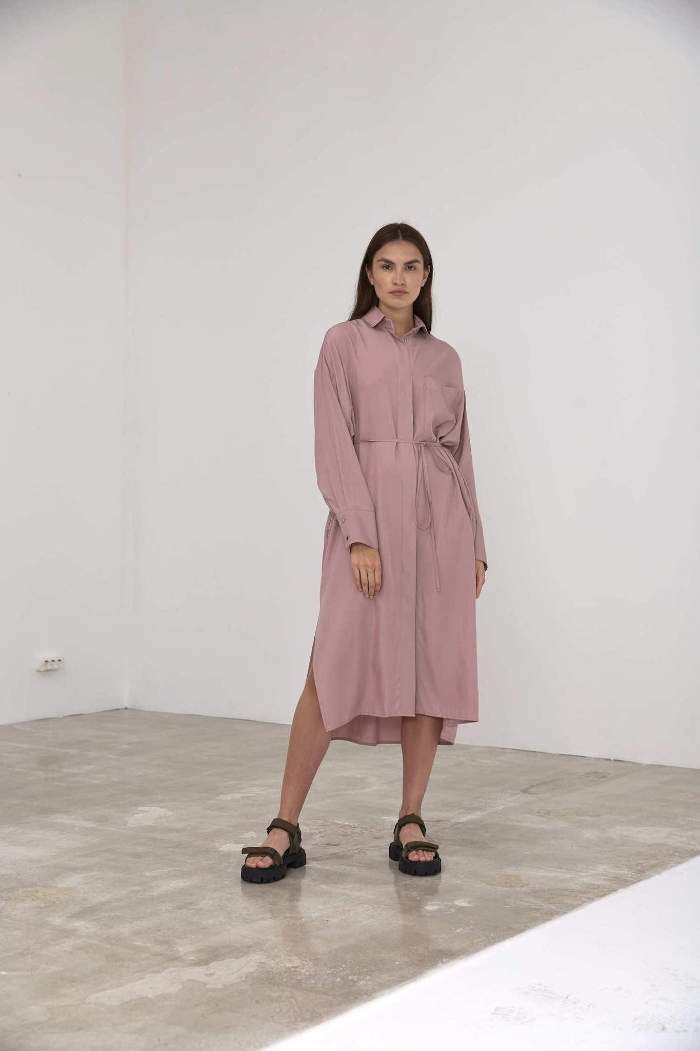 Платье-рубашка под пояс, пудра