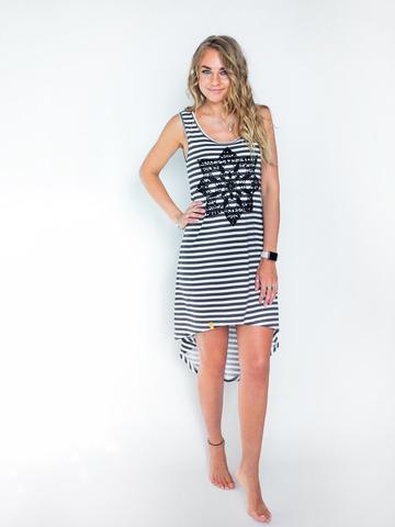 Платье асимметричное полосатое с черным кружевом