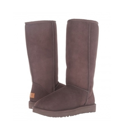 /collection/novinki/product/nepromokaemye-ugg-classic-tall-chocolate-ii