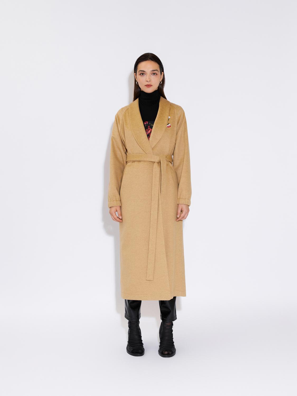 Пальто-халат с вышивкой