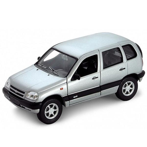Машинка-игрушка Chevrolet Niva