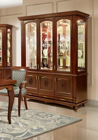 Шкаф с витриной 3 дверный Оскар с декором и витражом