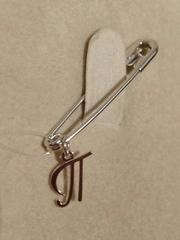 Брошь- булавка из серебра с буквой П