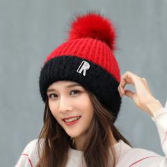 Вязаная женская шапка с помпоном (красная/ черная)
