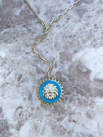 Колье со львом из позолоченного серебра и голубой эмали